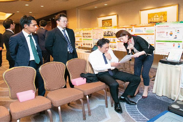 (2)健康講話・パネル展示・測定会(仕入先総会にて)